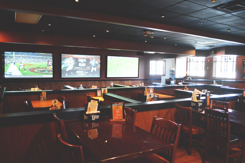 sports-bar-drinks-oakdale-specials-happy-hour-oakdale-wild-boar-bar-grill-happy-hour-oakdale