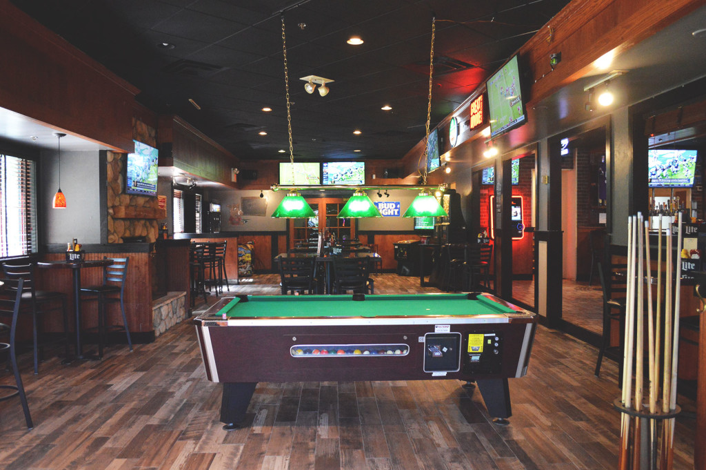 sports-bar-oakdale-wild-boar-bar-grill-happy-hour-oakdale